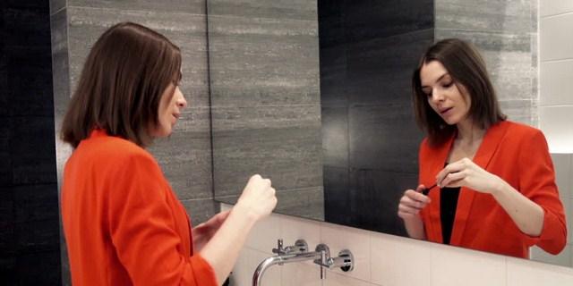 Ilustrasi cermin kamar mandi